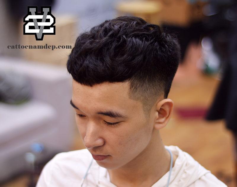 kiểu tóc nam đẹp textured crop