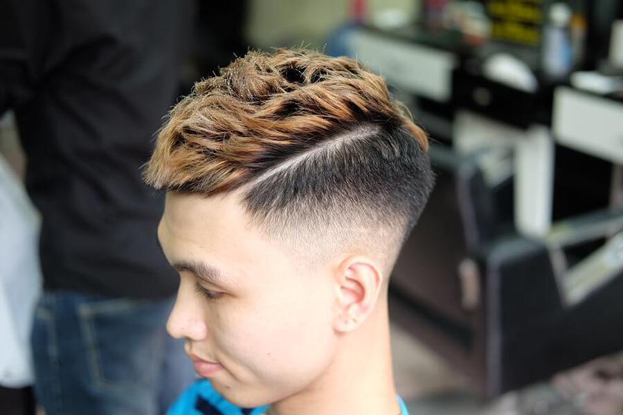 Kiểu tóc Mohican uốn xoăn