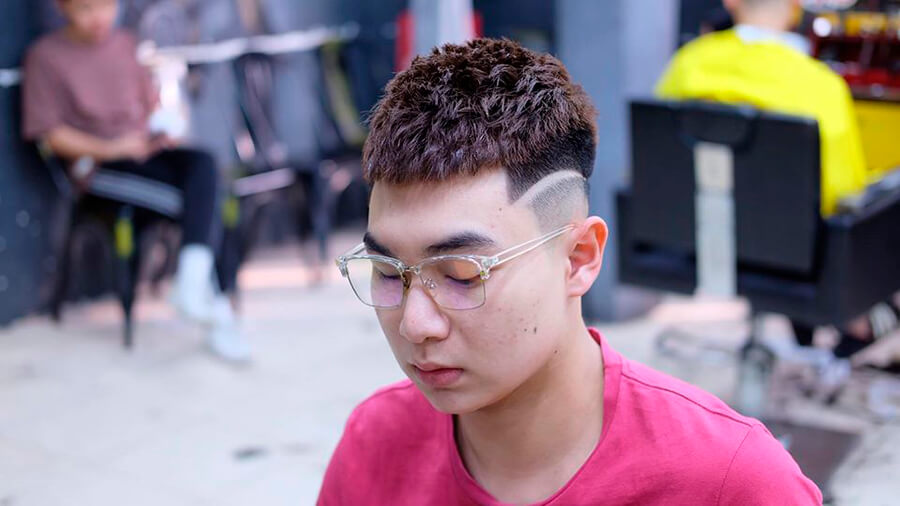 Kiểu tóc nam Mohican uốn nhẹ