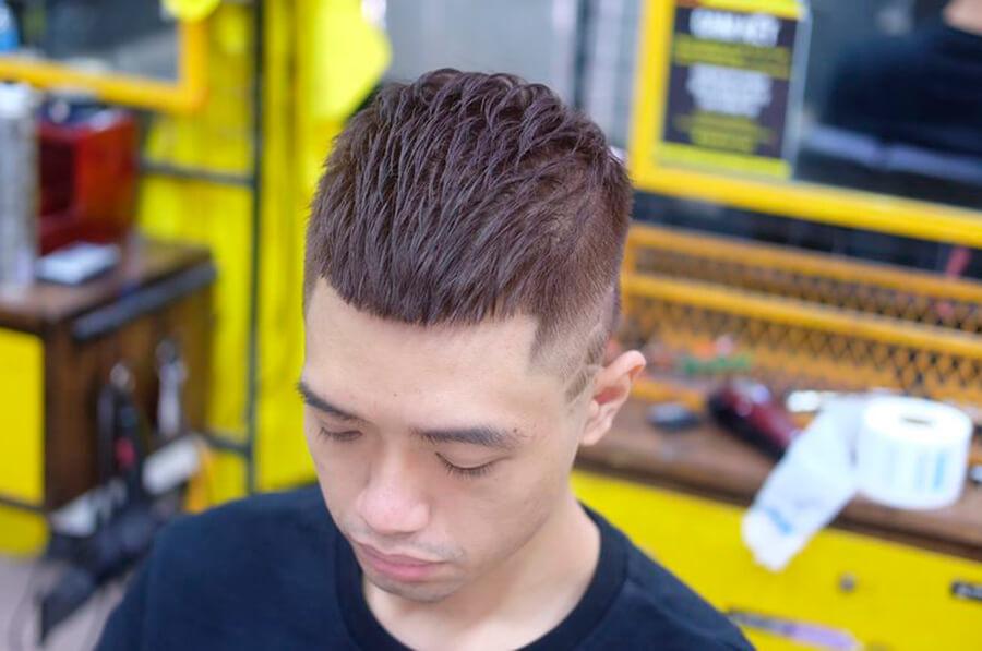 Kiểu tóc nam Mohican nhuộm